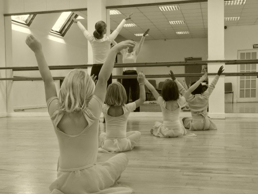 Class image behind the scenes at a First Steps Academy of Dance